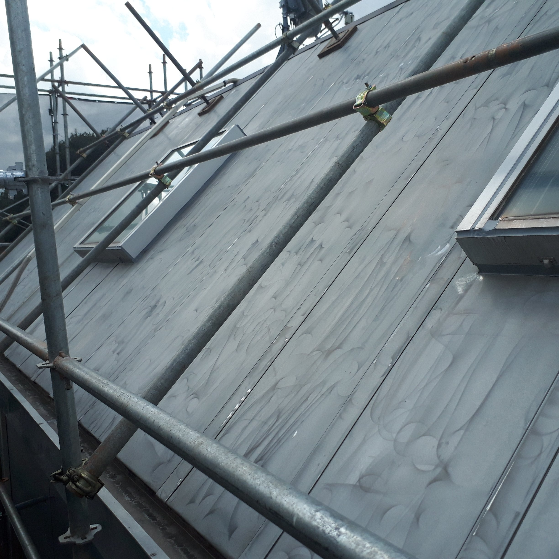 勾配屋根の塗装