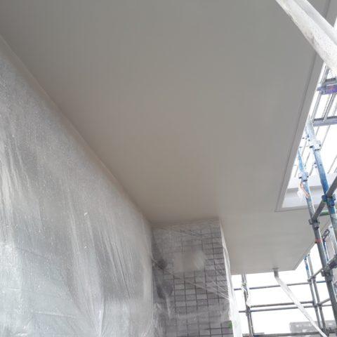 高津区でのマンション新築工事、吹付塗装工事