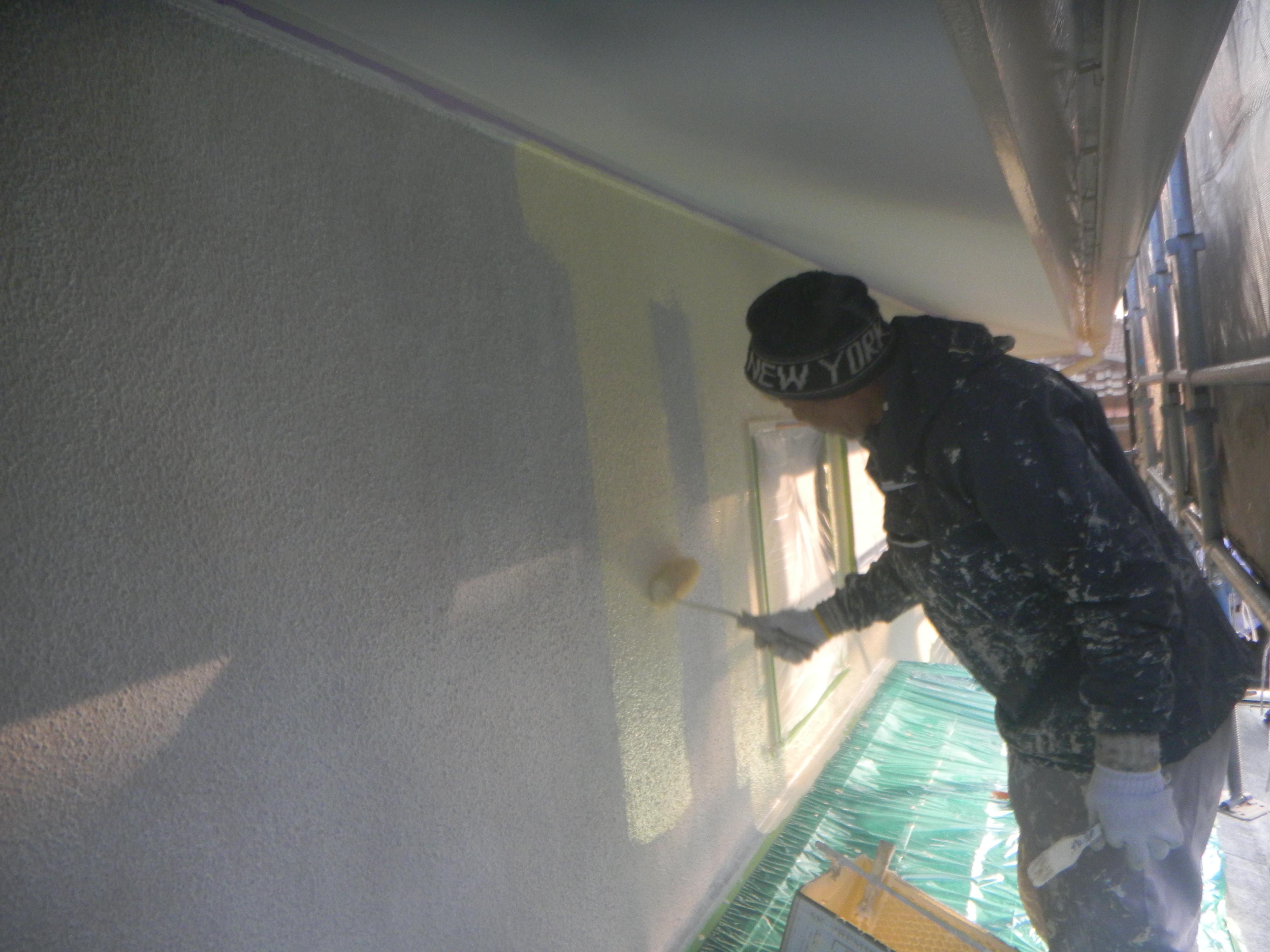 外壁塗装.中塗り風景